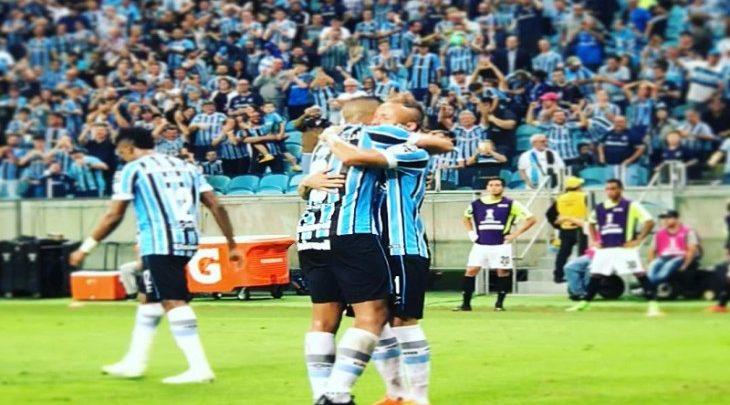 61ab9bd424 Mercado da bola  atacante do Grêmio revela proposta de clube mexicano