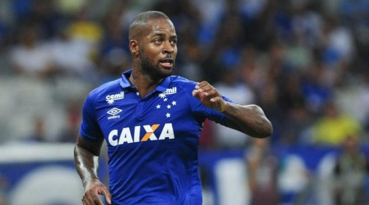 Mercado da bola  Cruzeiro afirma que não vende Dedé aff7138a6b1e0